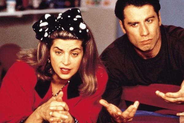 A atriz Kirstie Alley e o ator John Travolta em cena de Olha Quem Está Falando (1989) (Foto: Reprodução)