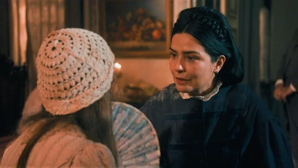 Teresa Cristina (Leticia Sabatella) e Dolores (Júlia Freitas) viram cúmplices em 'Nos Tempos do Imperador' — Foto: Globo