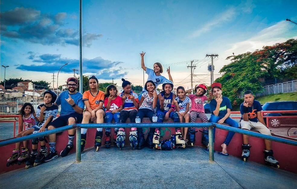 Além das meninas, agora os meninos também estão fazendo parte das aulas — Foto: Divulgação/Fernando Almeida