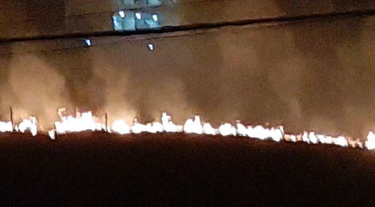 Bombeiros combatem focos de incêndio em três bairros de Volta Redonda