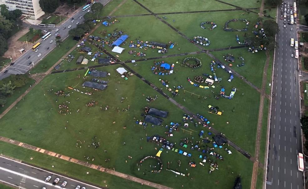 Imagem aérea do acampamento indígena Terra Livre — Foto: Luísa Doyle/TV Globo