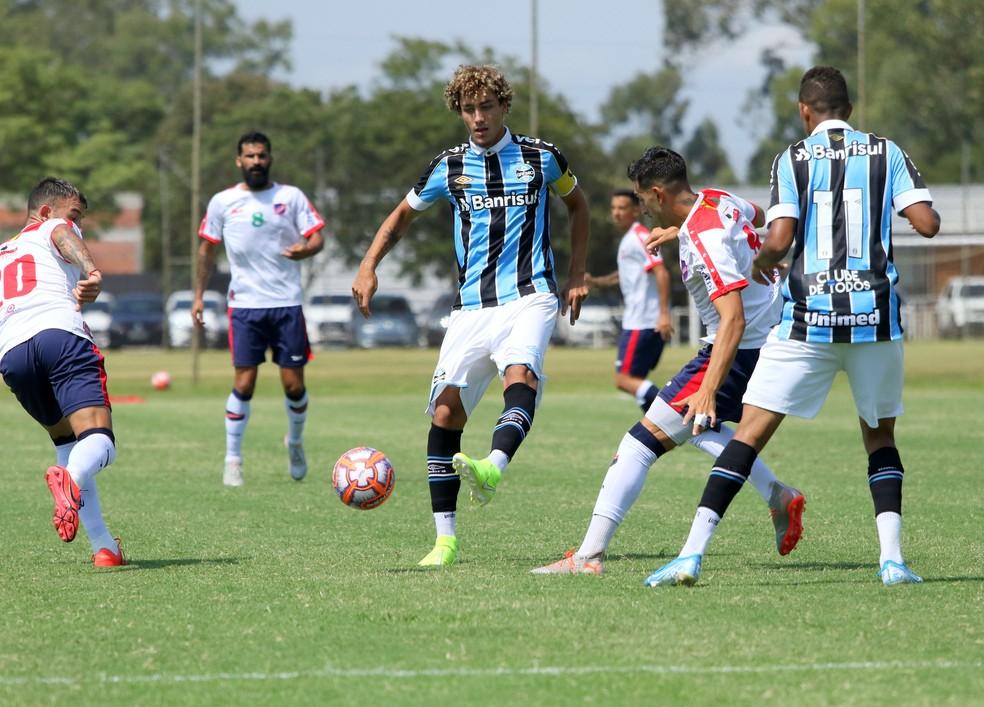 Victor Bobsin é o capitão do time de transição do Grêmio — Foto: Rodrigo Fatturi / Grêmio FBPA