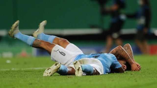 Sterling e Gabriel Jesus desabam após eliminação do Manchester City