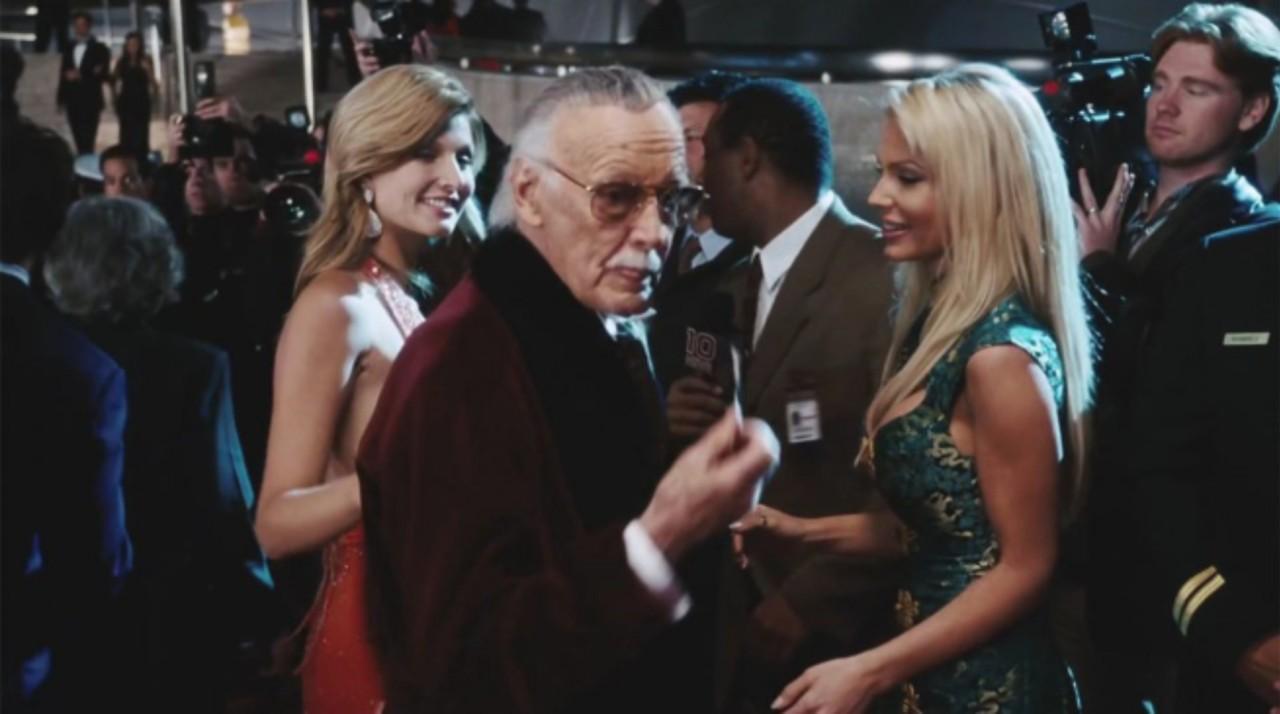 Stan Lee em cena de Homem de Ferro, lançado em 2008 (Foto: Divulgação)