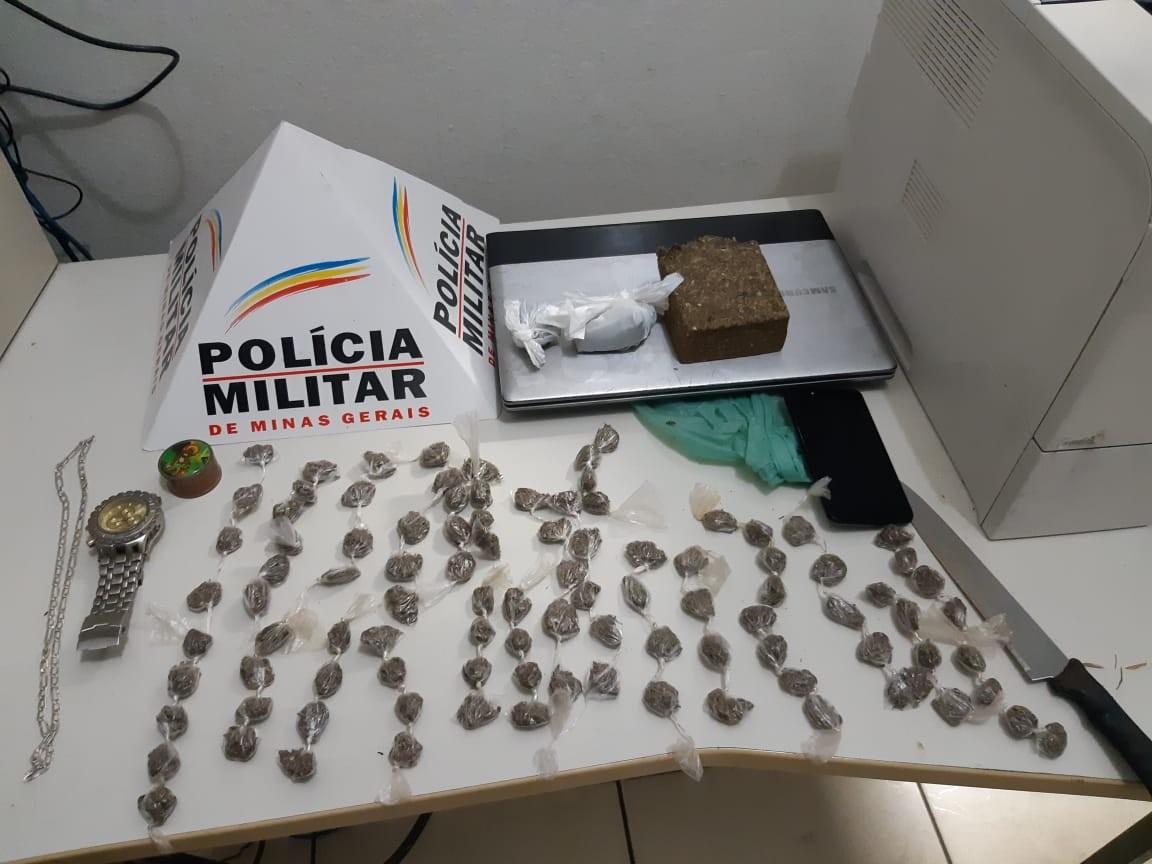 400b29d25 Material apreendido com menor de 17 anos em Ipatinga Polícia  Militar Divulgação Um menor de 17 anos foi apreendido na noite dessa terça- feira (13) ...