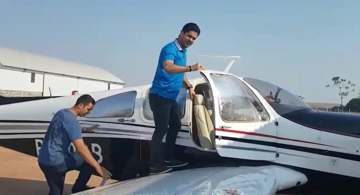 Pai gravou embarque de médico e outros dois mortos em queda de avião; veja vídeo