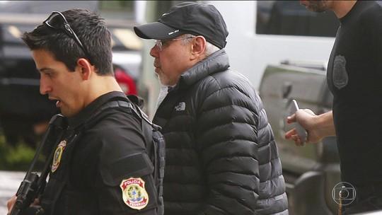 Mantega deixa sede da PF em São Paulo após revogação da prisão