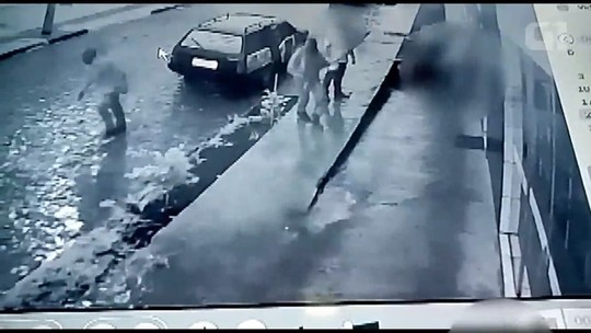 Ladrões trocam tiros com policiais depois de assalto em Bituruna