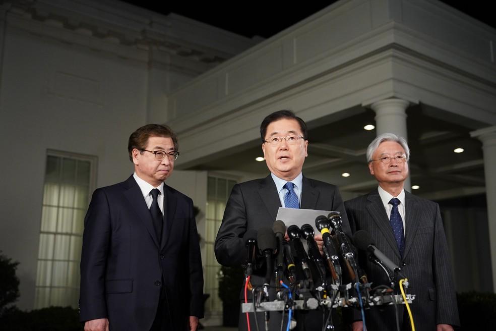 Chung Eui-Yong, conselheiro de Segurança Nacional da Coreia do Sul, anuncia encontro de Kim Jong-un e Donald Trump em pronunciamento nesta quinta-feira (8) na Casa Branca (Foto: Mandel Ngan/AFP)