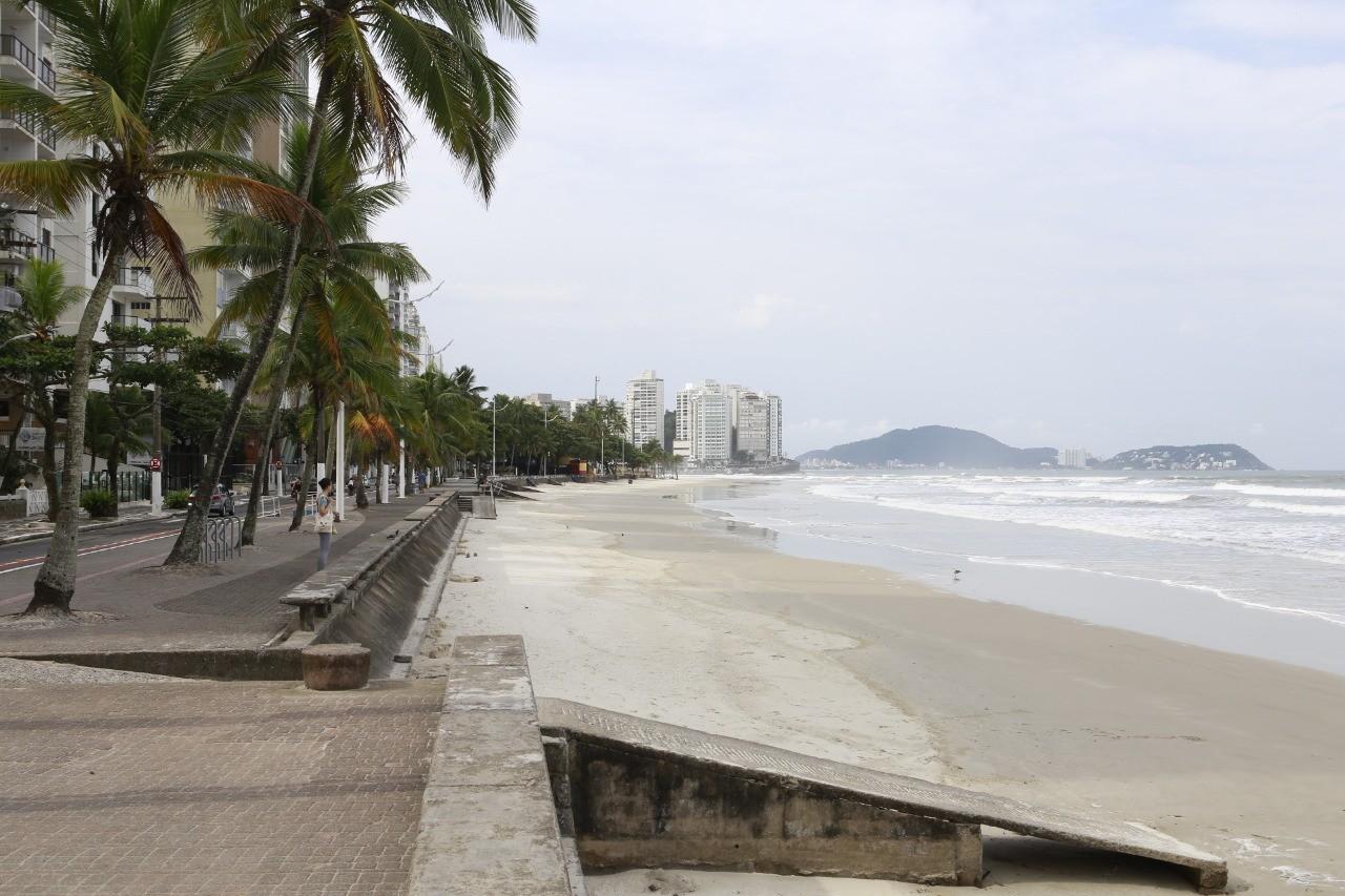 Guarujá libera praias durante a semana para prática de exercícios físicos na fase vermelha