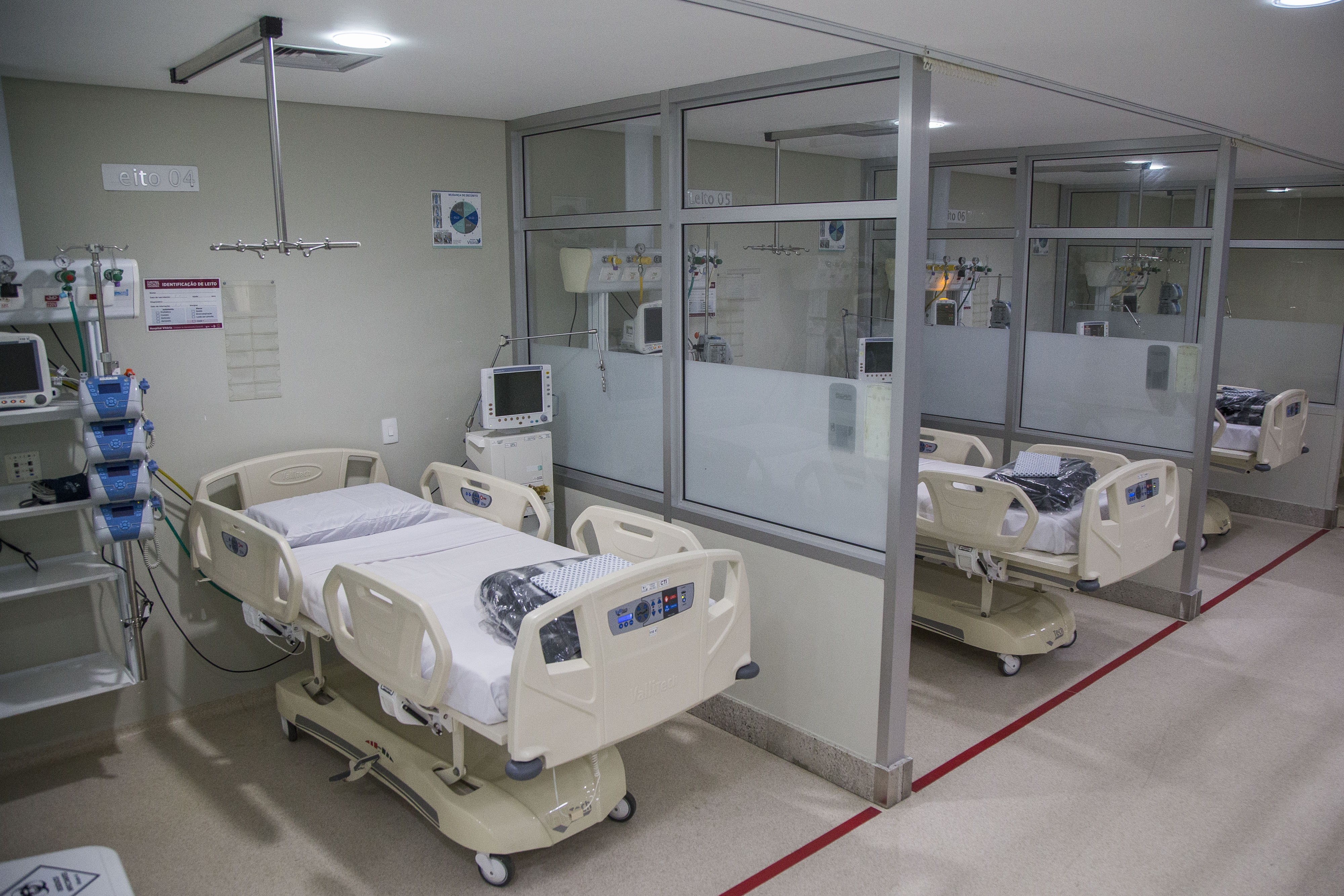 Taxa de ocupação de leitos do SUS, em Curitiba, para tratamento da Covid-19 se mantém acima de 90%