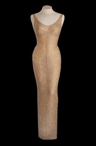 Vestido usado pela atriz em fotografia de divulgação da Julien's Auctions (Foto: Auctions/Handout via REUTERS)