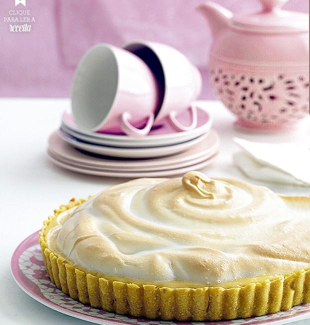 Torta de limão: a acidez da fruta forma uma combinação irresistível com a doçura do leite condensado no recheio e a cobertura de merengue (Foto: StockFood / Gallo Images Pty Ltd.)