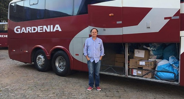 """Aposentado cria startup que """"encaixa"""" encomendas em bagageiros de ônibus rodoviários"""