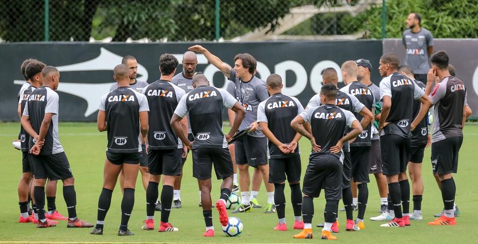 Thiago Larghi fará seu primeiro clássico no domingo (Foto: Bruno Cantini/ Atlético-MG)