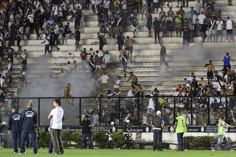 Dia de caos em São Januário
