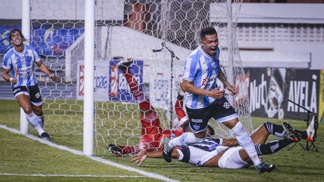 Perema marcou o único gol do jogo, no primeiro tempo
