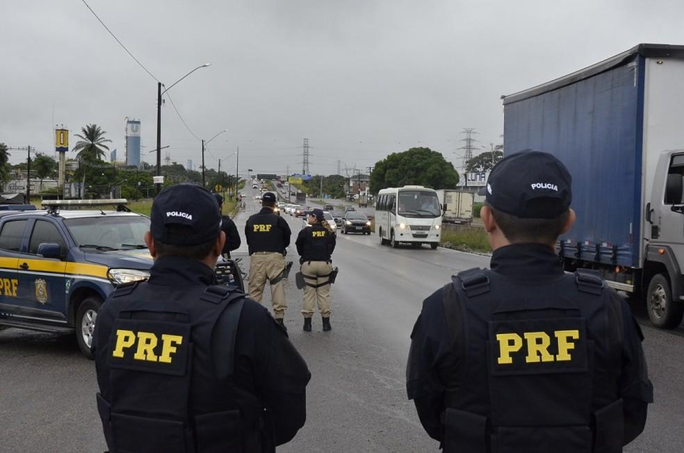 Polícia Rodoviária Federal fiscaliza vias federais de Pernambuco (Foto: Divulgação/PRF)