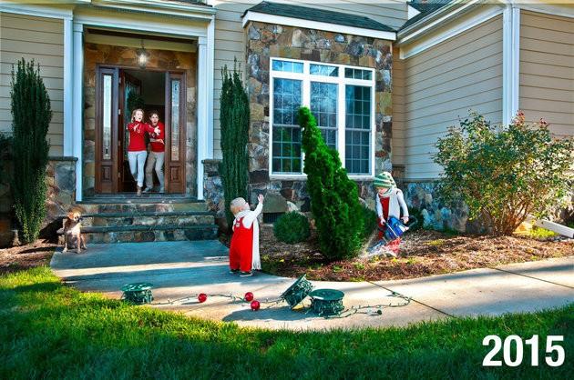 Em 2015, os meninos foram fotografados fazendo travessuras no jardim (Foto: Reprodução Facebook)
