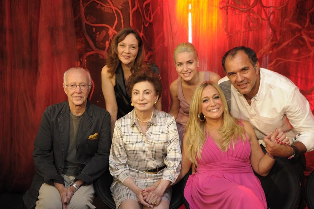 Em 2011, elenco de 'Lara com Z' posa: Roberto Maya, Thais de Campos, Beatriz Segall, Monique Alfradique, Humberto Martins, Susana Vieira (Foto: Renato Rocha Miranda/TV Globo)
