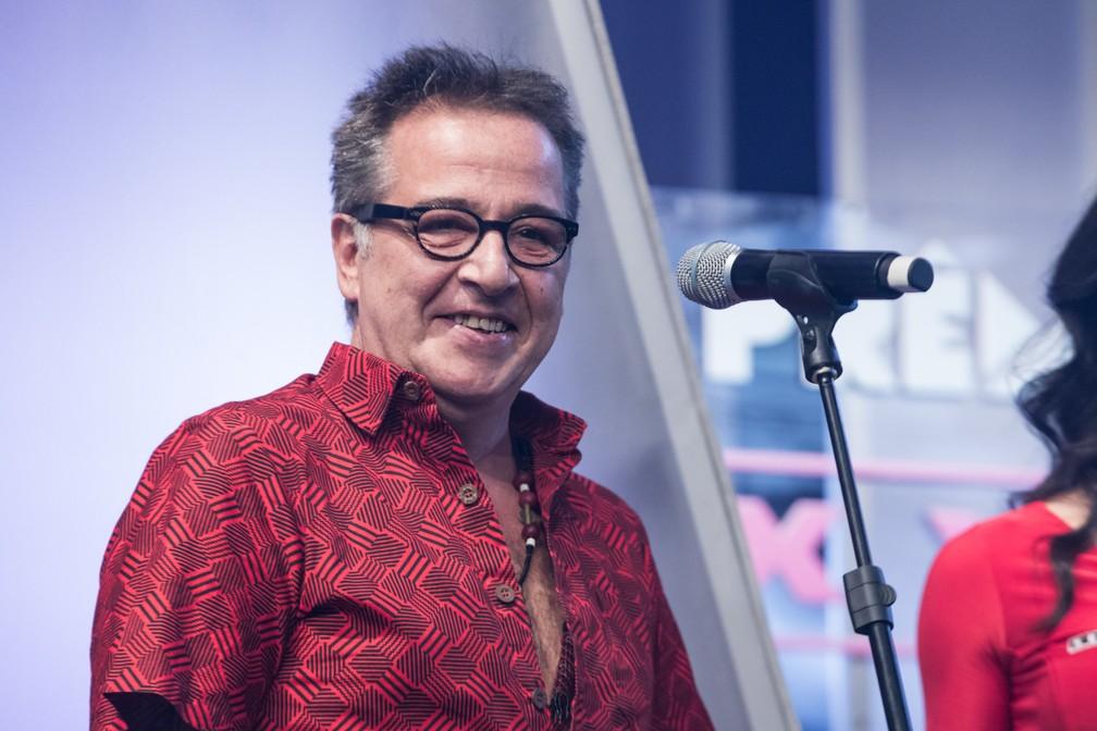 Nasi, cantor do IRA!, apresentou a categoria Melhor Diretor no Prêmio Sexy Hot 2018 ? Foto: Celso Tavares/G1