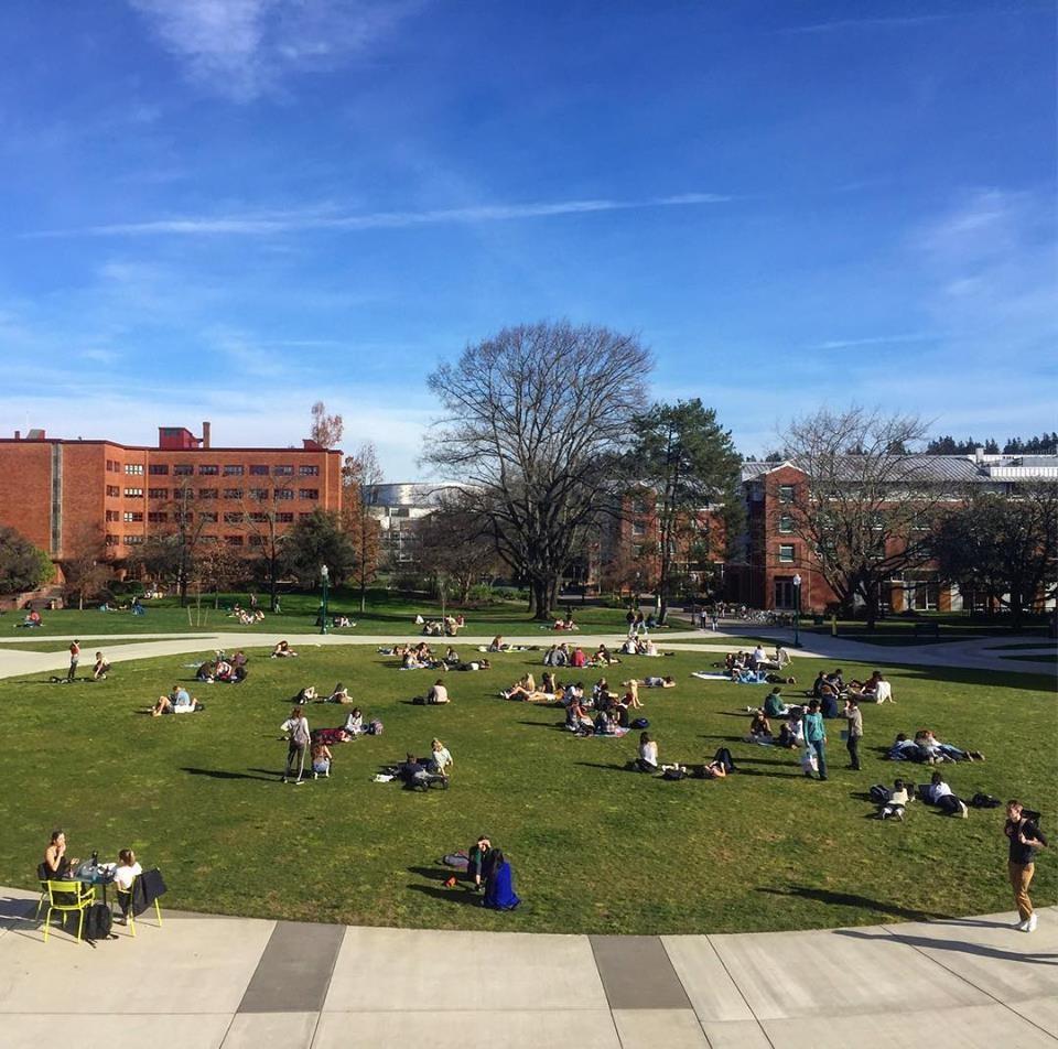 Campus da Universidade do Oregon (Foto: Reprodução/Facebook)