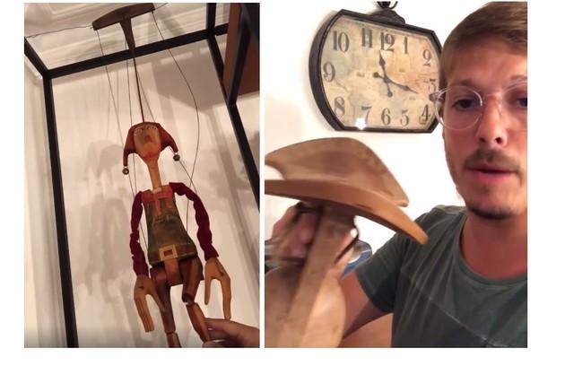 À esquerda, boneco de madeira da República Tcheca; à direita, Porchat mostra banquinho comprado em tribo da Etiópia (Foto: Reprodução)