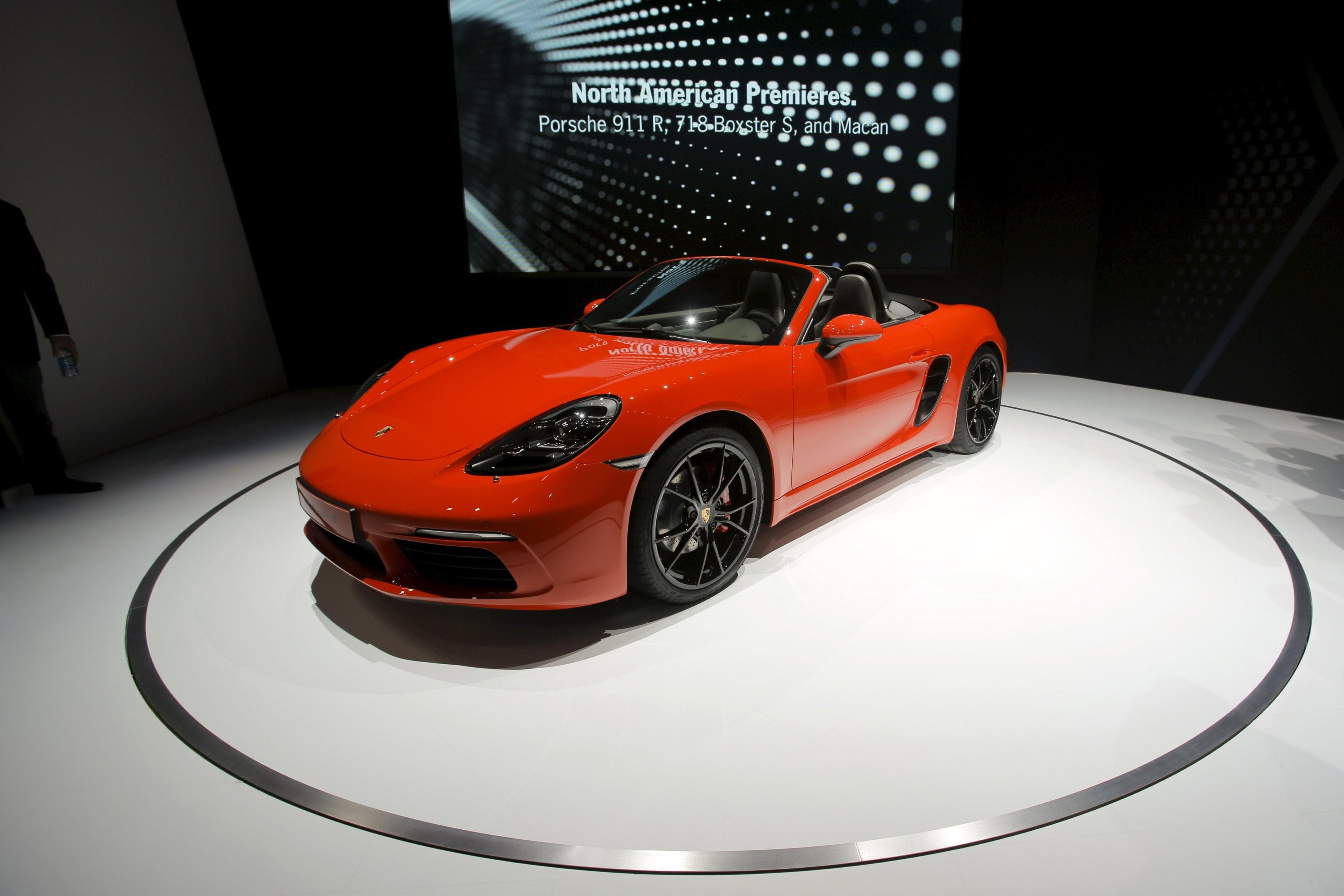 Porsche faz recall em 6 modelos por falha em airbag - Notícias - Plantão Diário
