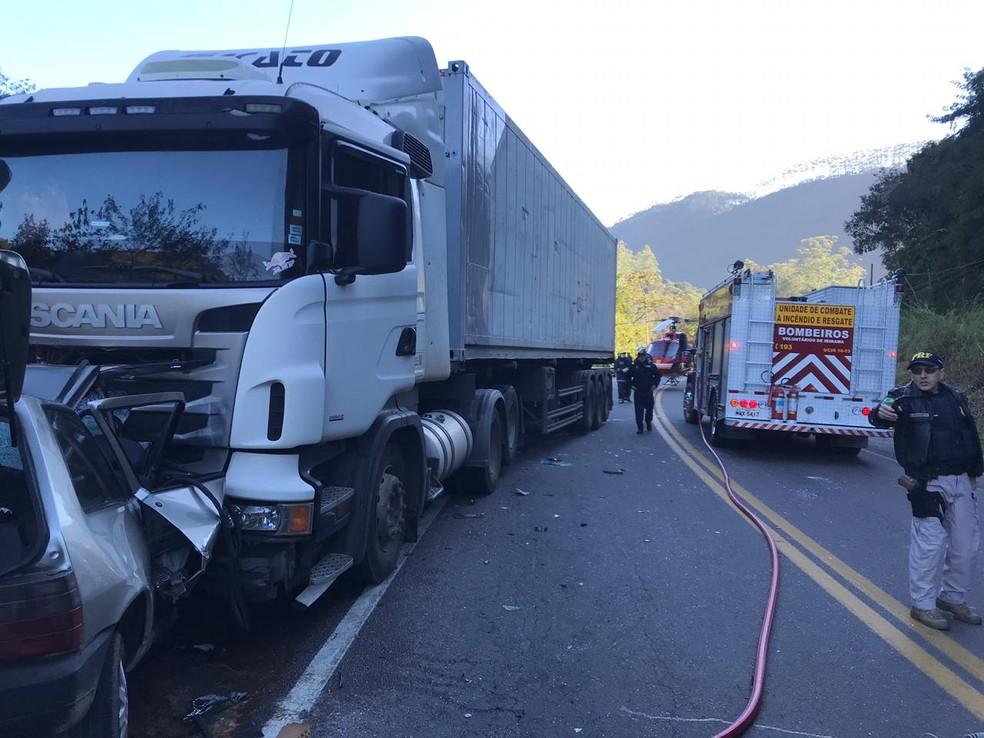 Acidente ocorreu neste domingo (7) — Foto: Corpo de Bombeiros/Divulgação