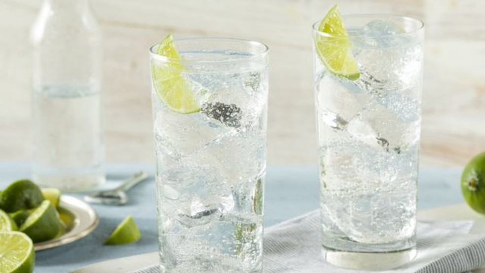 'Hard seltzer é um eufemismo para mascarar o que elas são: bebidas alcoólicas', diz nutricionista — Foto: Getty Images via BBC