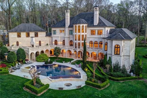Conheça a mansão de R$ 23 milhões do casal de rappers Cardi B e Offset (Foto: Divulgação)