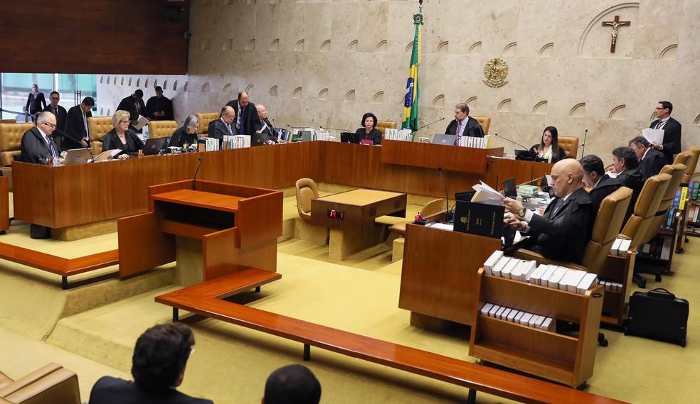 Os ministros do Supremo Tribunal Federal reunidos em plenário durante sessão da Corte — Foto: Nelson Jr./STF