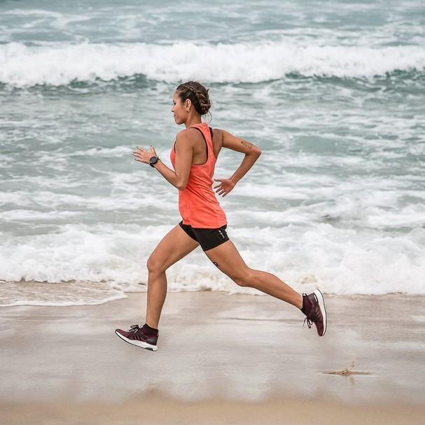 A ginecologista Cidinha Ikegiri, que corre com a assessoria MPR (Foto: Instagram/Reprodução)