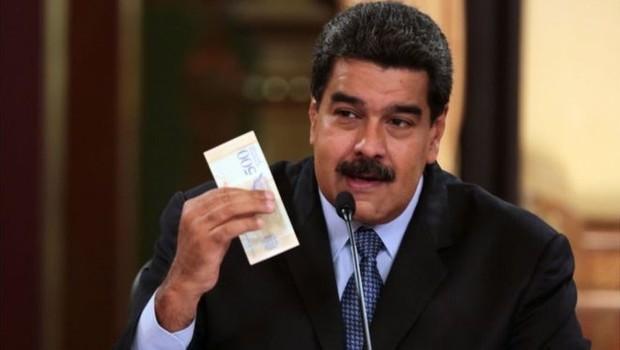 O presidente da Venezuela, Nicolás Maduro, apresentou novo pacote econômico que prevê uma nova moeada e salário mínimo 35 vezes maior (Foto: AFP via BBC)
