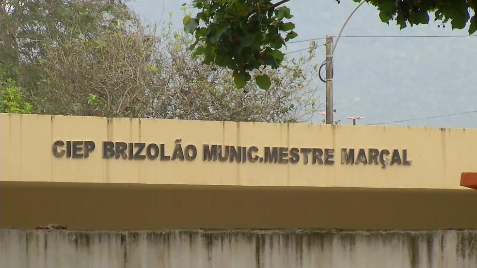 Desrespeito ao professor aconteceu no Ciep Mestre Marçal, em Rio das Ostras — Foto: Reprodução/ TV Globo