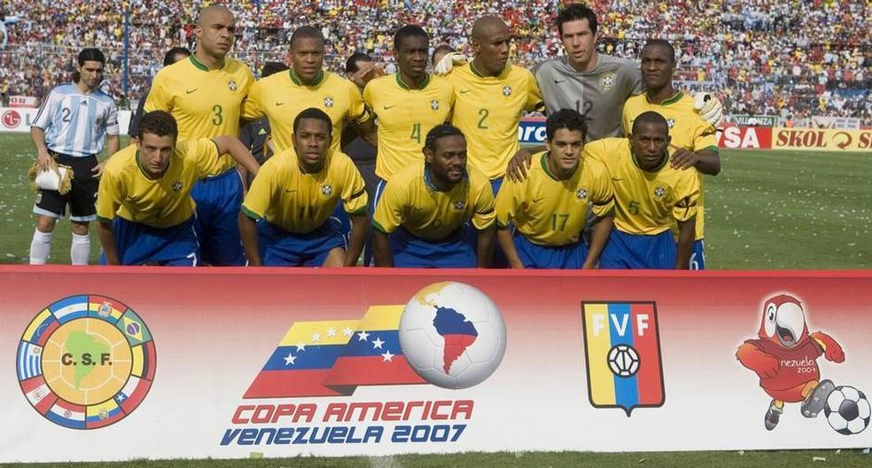 Seleção Brasileira que venceu a Copa América em 2007 — Foto: Divulgação