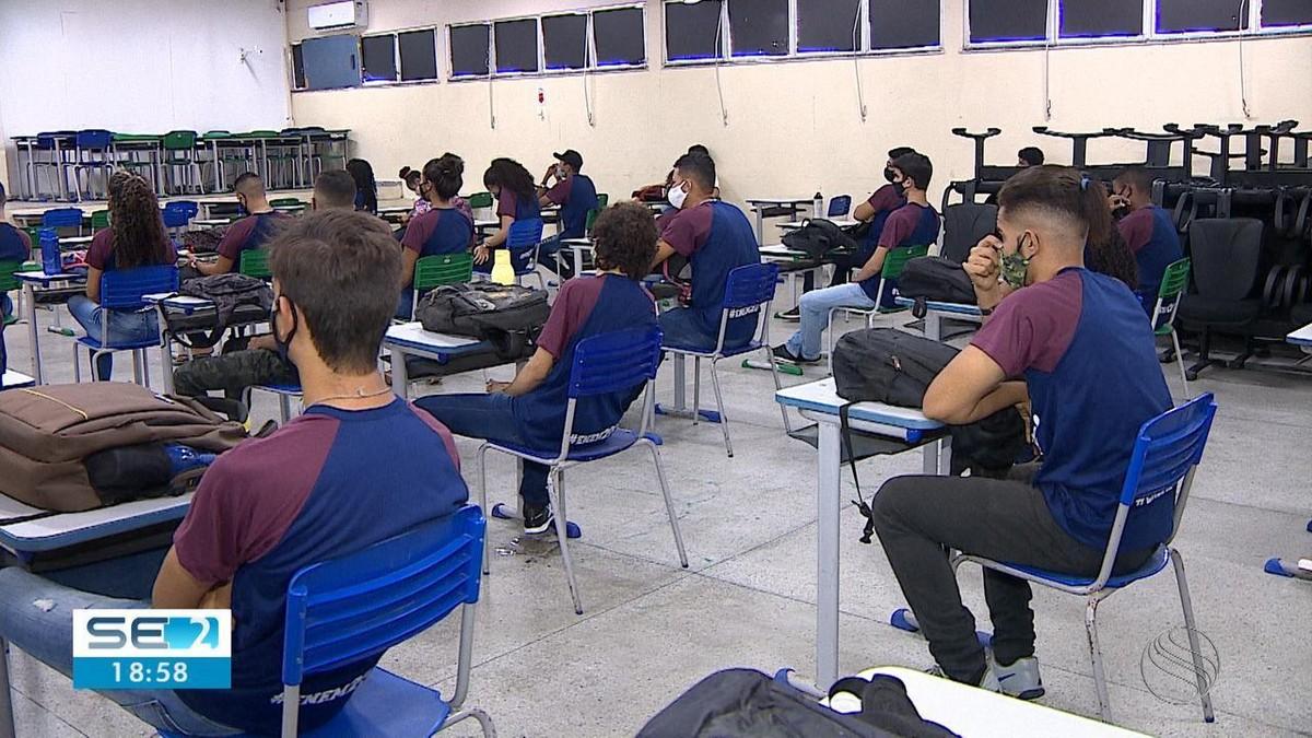 Após análise da situação da Covid-19 em SE, governo suspende distância entre cadeiras nas escolas e amplia ocupação de estádios