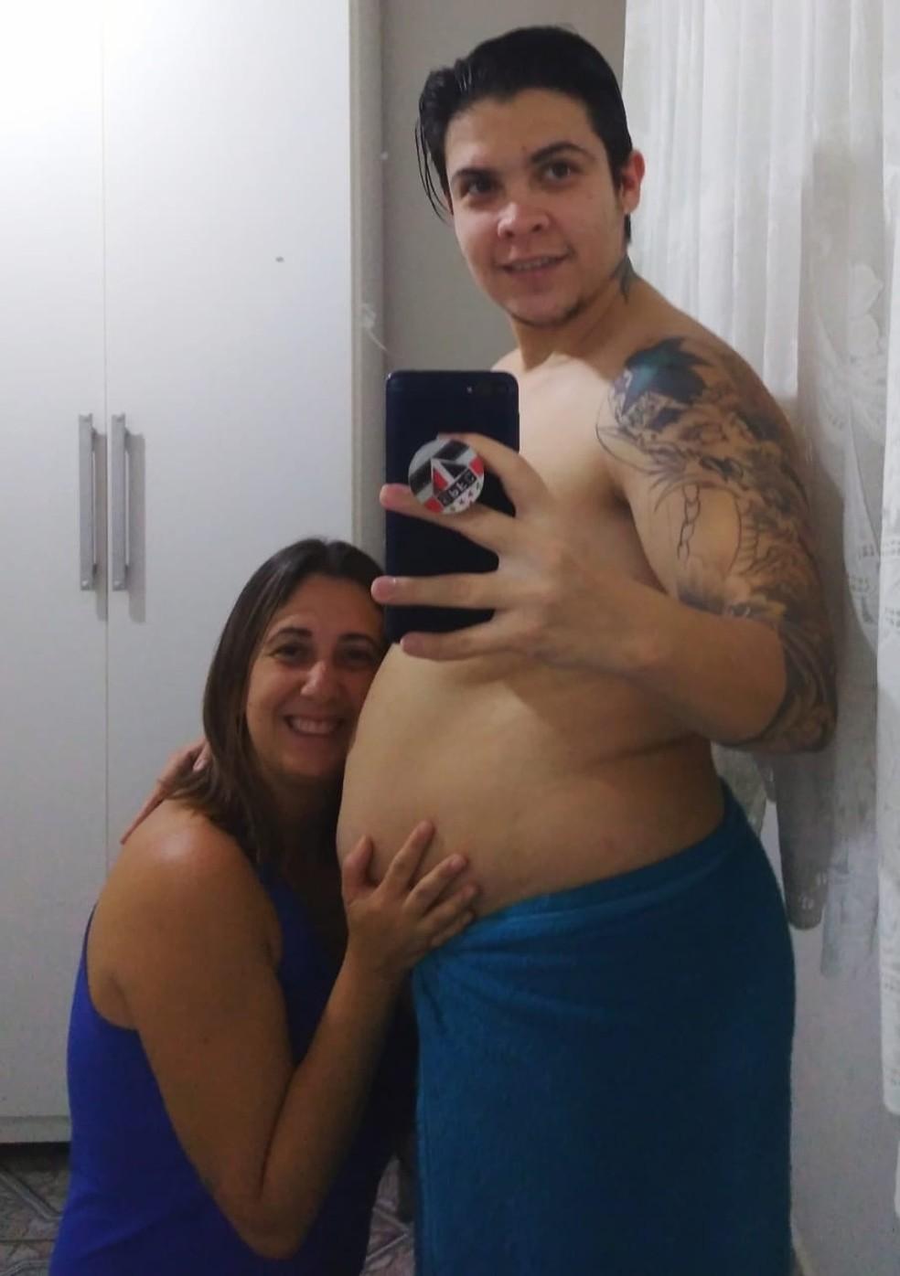 Frank Teixeira e Taris dos Santos vão dar à luz em setembro, em Itapira (SP) — Foto: Arquivo pessoal