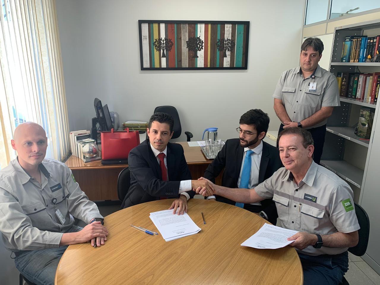 Usiminas e MP assinam acordo para estudo e diminuição da emissão de 'pó preto' em Ipatinga - Notícias - Plantão Diário