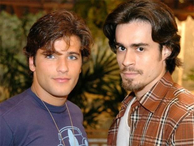 Bruno Gagliasso e Erom Cordeiro em América (Foto: TV Globo)
