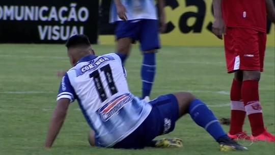 """Carlinhos celebra vitória na 1ª parte da final, mas alerta: """"Não podemos pensar na vantagem"""""""