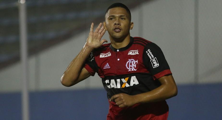 Do profissional a herói na Copinha: as 72 horas de loucura na vida de Vitor Gabriel