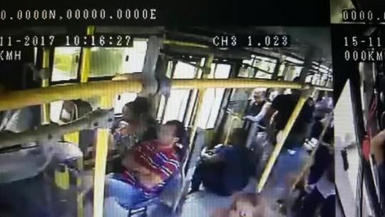 Suspeito de praticar assaltos a ônibus no Recife é preso em desfile de bloco de carnaval