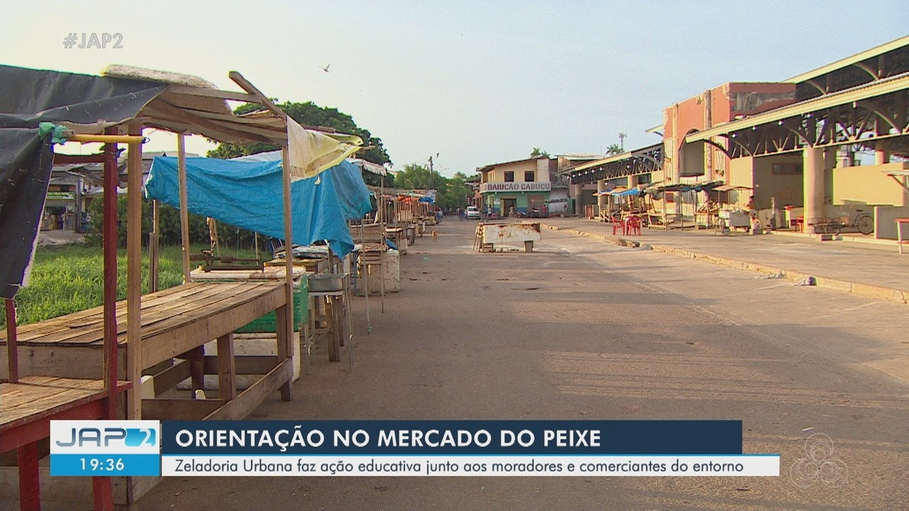 Zeladoria conscientiza moradores e comerciantes sobre limpeza no Mercado do Peixe, no AP