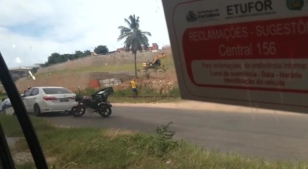 Motorista é assaltado em Fortaleza após sofrer acidente