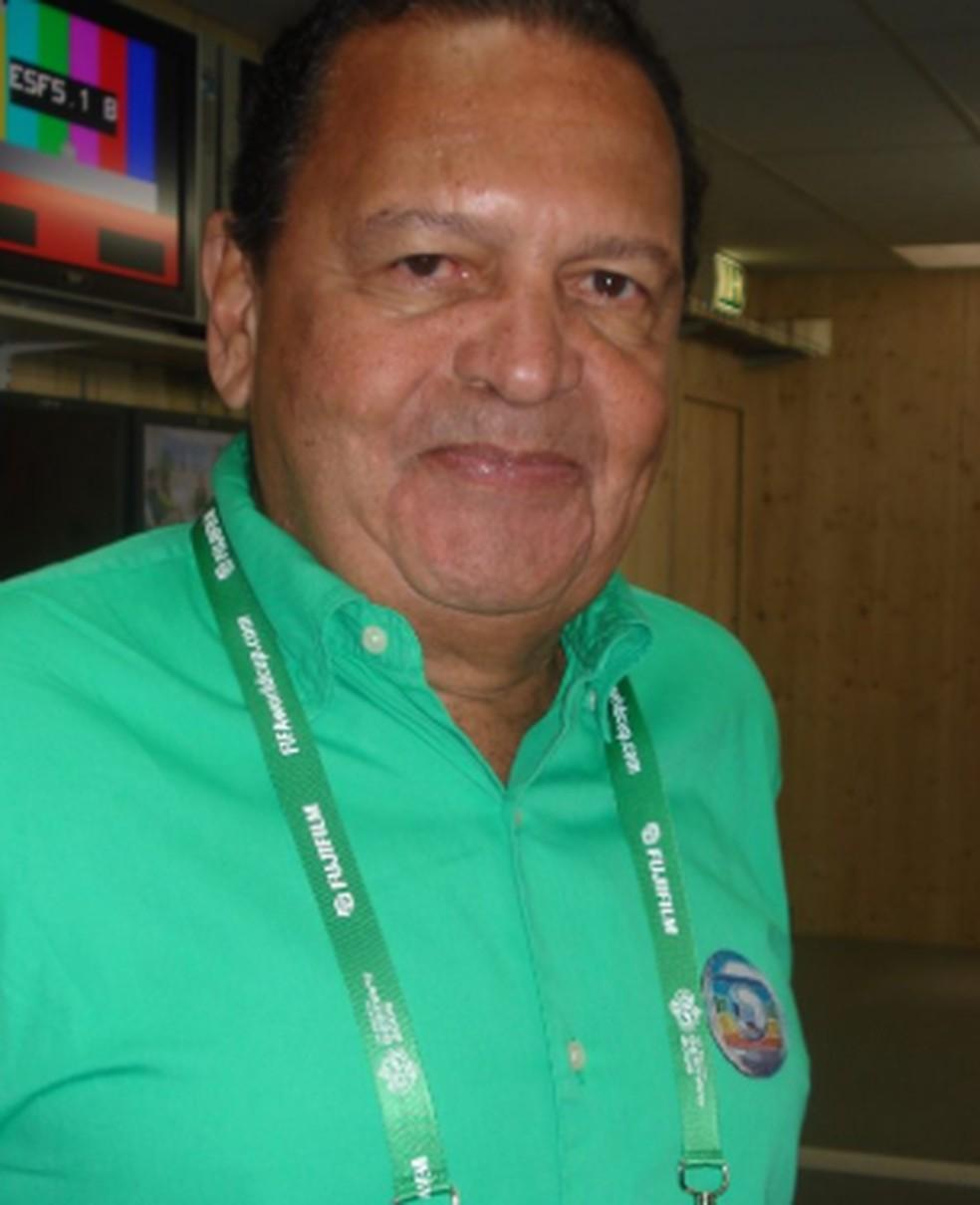 O jornalista Sérgio Noronha durante uma cobertura esportiva na TV Globo — Foto: Reprodução/Memória Globo