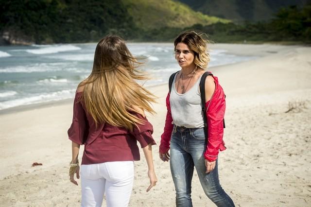 Deborah Secco e Giovanna Antonelli em gravação de Segundo Sol (Foto: João Cotta/TV Globo)
