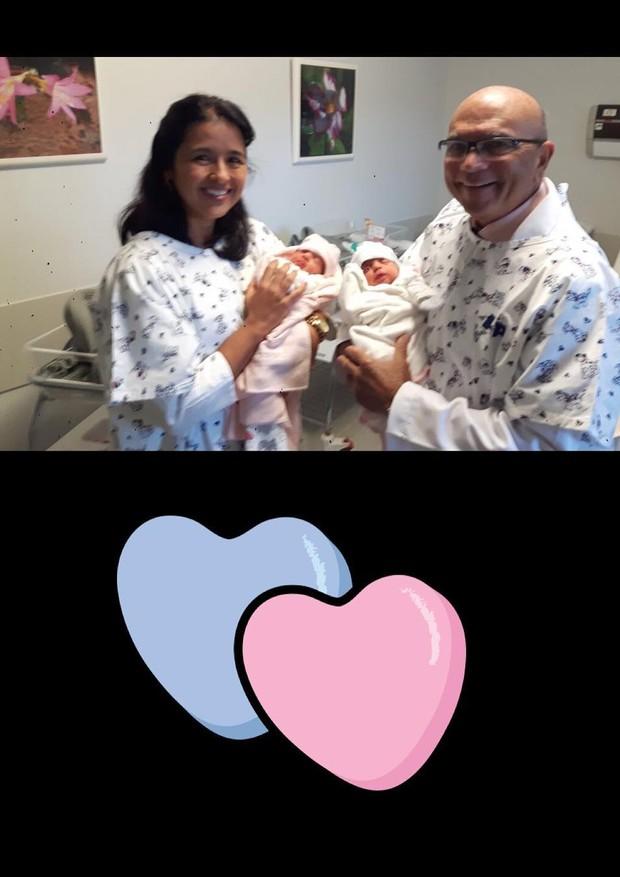 Médicos posam com as gêmeas de Ivete Sangalo (Foto: Reprodução/Instagram)