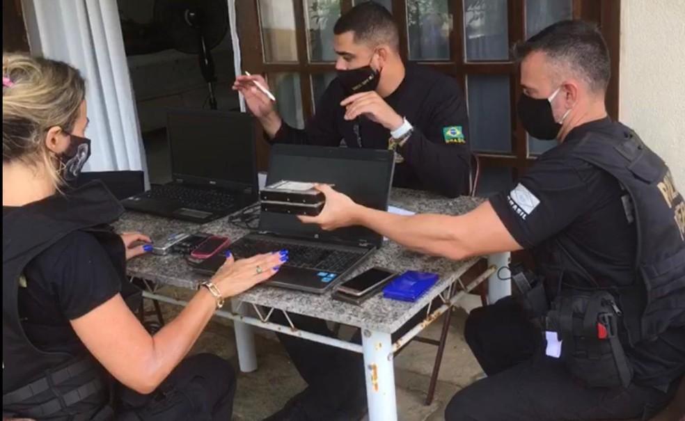 Todos os equipamentos apreendidos serão encaminhados à perícia técnica criminal para o aprofundamento das investigações
