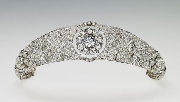 Tiara que pertenceu à Rainha Mary (Foto: Reprodução/ Royal Collection Trust)